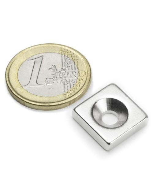 Magnet Supermočan Kvader  15 x 15 x 04 mm s poglobljeno luknjo