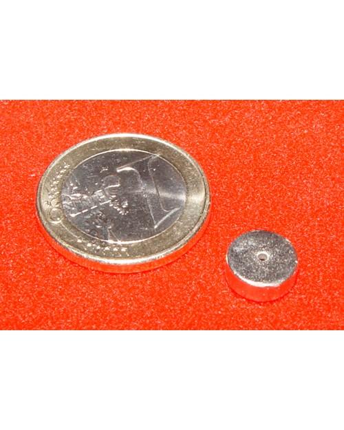 Magnet Supermočan okrogli, premera 9 mm x 3,5 mm z luknjo